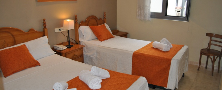 Chambre double+ 2 lit extra hostal san lorenzo madrid